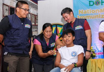 Grade School Students Get Free Immunization